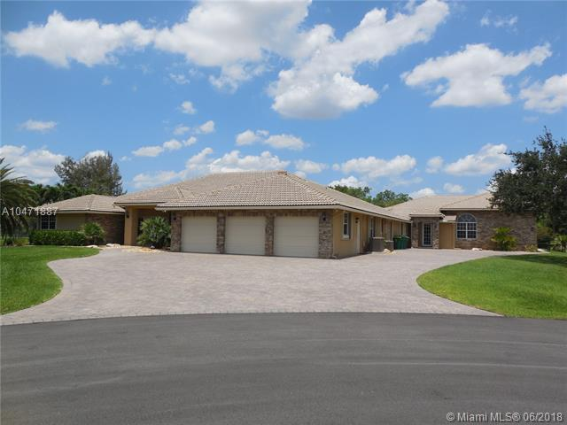 1461 NW 114th Ave, Plantation, FL 33323 (MLS #A10471887) :: Melissa Miller Group