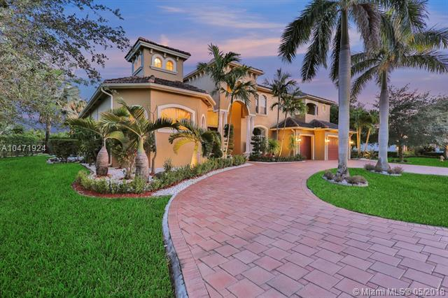 15140 SW 16th, Davie, FL 33326 (MLS #A10471924) :: Green Realty Properties