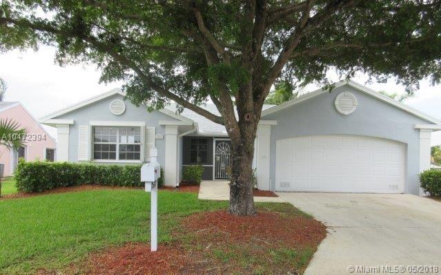 2587 SE 7th Ct, Homestead, FL 33033 (MLS #A10472394) :: Stanley Rosen Group