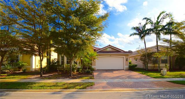 17424 SW 47th Ct, Miramar, FL 33029 (MLS #A10472792) :: The Chenore Real Estate Group