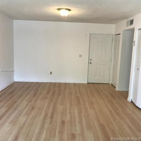 8240 SW 210 #108, Cutler Bay, FL 33189 (MLS #A10472823) :: Green Realty Properties