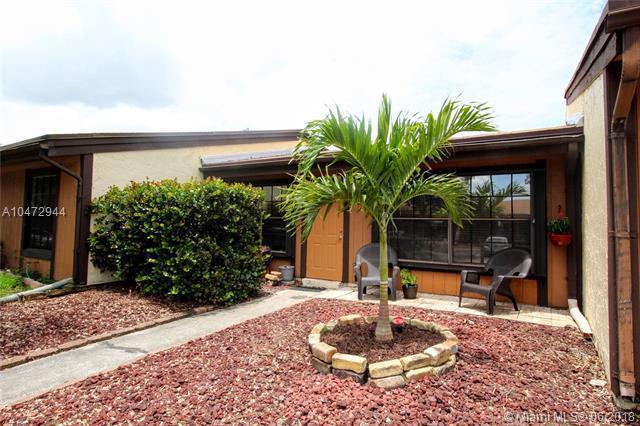 2320 Plum Ct #2320, Pembroke Pines, FL 33026 (MLS #A10472944) :: Melissa Miller Group