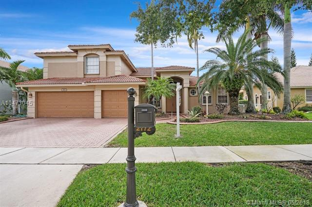 2172 NW 139th Ave, Pembroke Pines, FL 33028 (MLS #A10473045) :: The Teri Arbogast Team at Keller Williams Partners SW