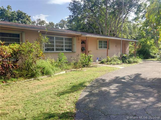 7800 SW 98th St, Miami, FL 33156 (MLS #A10473097) :: The Teri Arbogast Team at Keller Williams Partners SW