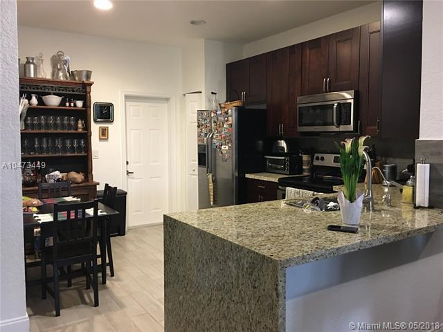 3918 Cherry Ln, Weston, FL 33332 (MLS #A10473449) :: Green Realty Properties
