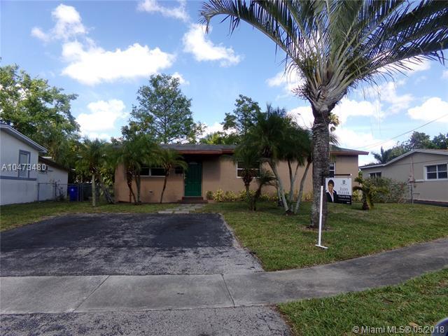 630 SW 50th Ter, Margate, FL 33068 (MLS #A10473480) :: Stanley Rosen Group