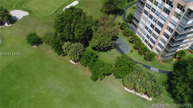 1100 Saint Charles Pl L5, Pembroke Pines, FL 33026 (MLS #A10473498) :: United Realty Group