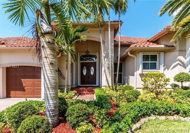 2587 Mayfair Ln, Weston, FL 33327 (MLS #A10473827) :: United Realty Group