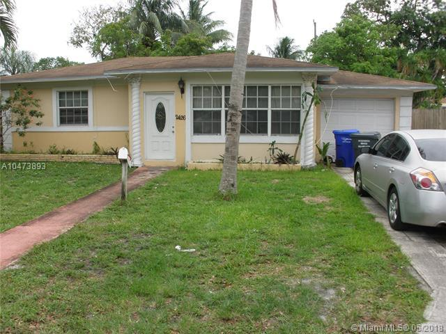 2426 Washington St, Hollywood, FL 33020 (MLS #A10473893) :: United Realty Group