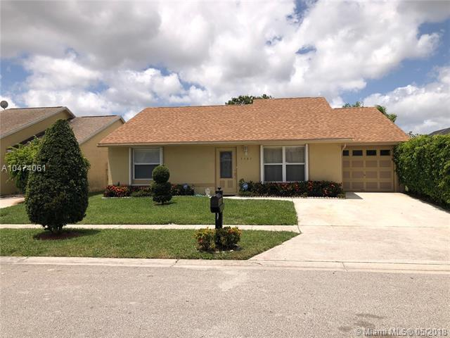 5585 Priscilla Ln, Lake Worth, FL 33463 (MLS #A10474061) :: Calibre International Realty