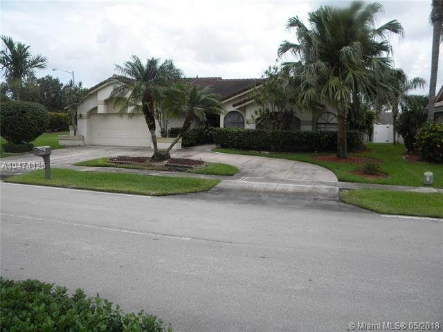 10202 NW 6th St, Plantation, FL 33324 (MLS #A10474126) :: Green Realty Properties