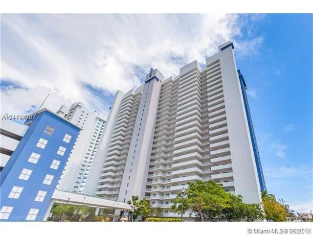 15051 NE Royal Oaks Ln #902, North Miami, FL 33181 (MLS #A10474173) :: The Jack Coden Group