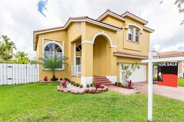 18410 NW 10th St, Pembroke Pines, FL 33029 (MLS #A10474427) :: Stanley Rosen Group