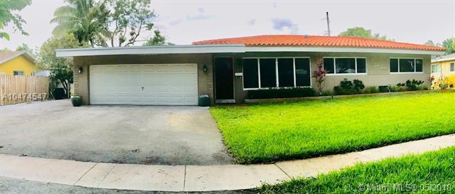 5521 SW 3rd St, Plantation, FL 33317 (MLS #A10474547) :: The Chenore Real Estate Group