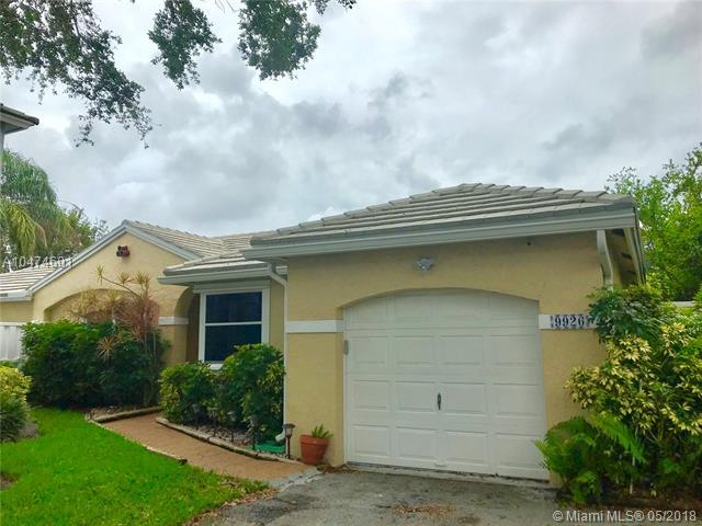 9926 NW 2nd Ct, Plantation, FL 33324 (MLS #A10474601) :: The Chenore Real Estate Group