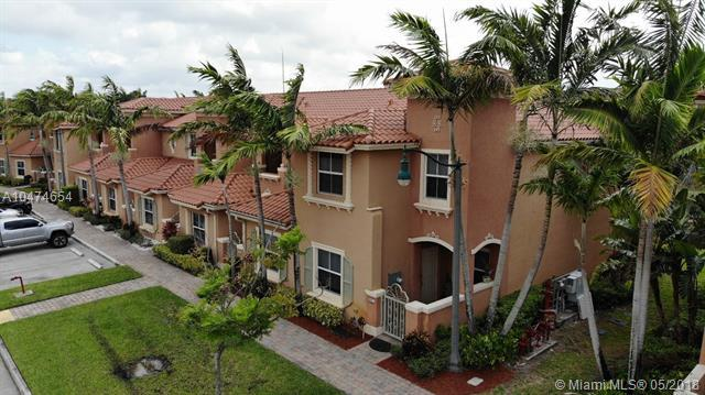901 SW 143rd Ave #901, Pembroke Pines, FL 33027 (MLS #A10474654) :: The Chenore Real Estate Group