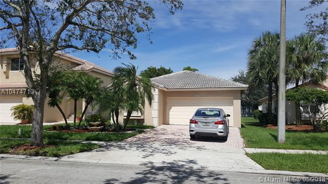 17083 NW 11th St, Pembroke Pines, FL 33028 (MLS #A10474710) :: The Chenore Real Estate Group