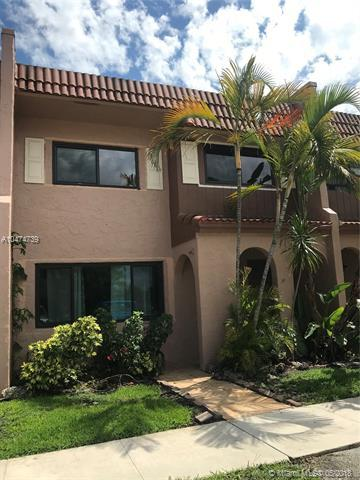 28 Matador Ln 5-20, Davie, FL 33324 (MLS #A10474739) :: The Chenore Real Estate Group
