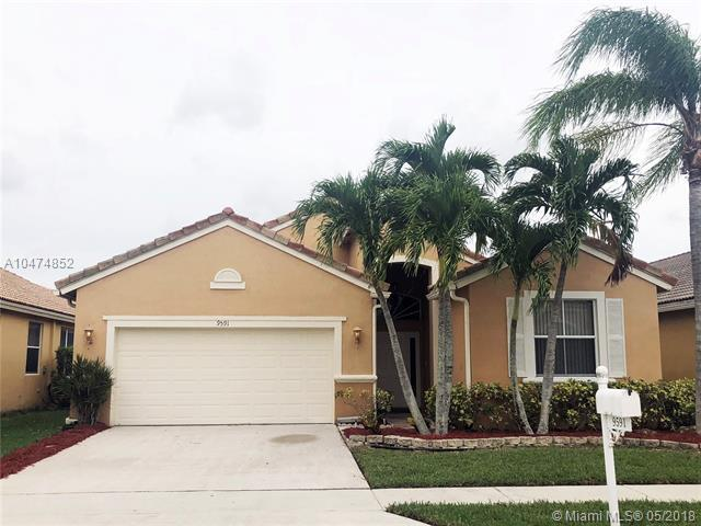 9591 Lago Dr., Boynton Beach, FL 33472 (MLS #A10474852) :: Stanley Rosen Group