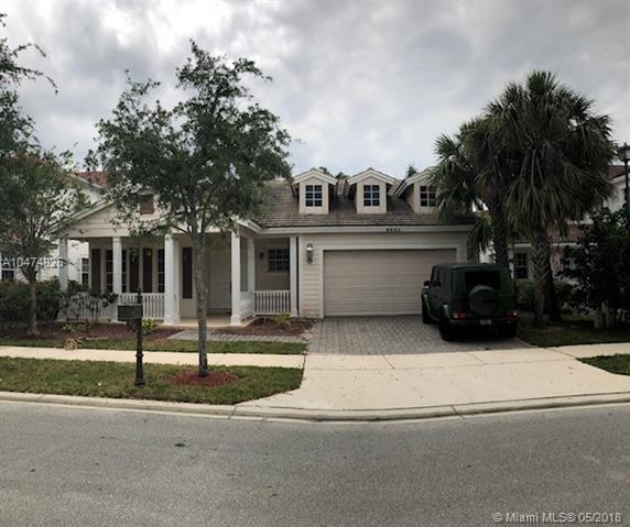 4685 Village Way, Davie, FL 33314 (MLS #A10474925) :: The Chenore Real Estate Group