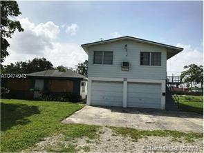 4861 SW 26th Ave, Dania Beach, FL 33312 (MLS #A10474943) :: The Jack Coden Group