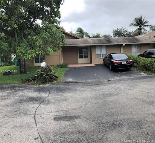 7181 SW 20th Pl, Davie, FL 33317 (MLS #A10474948) :: The Chenore Real Estate Group