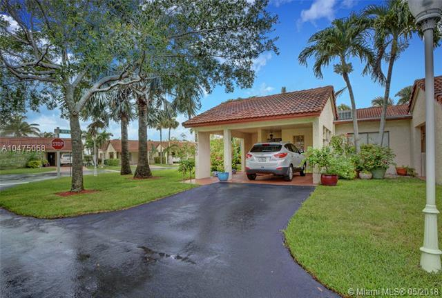 16365 Cammi Ln #20, Weston, FL 33326 (MLS #A10475068) :: Stanley Rosen Group