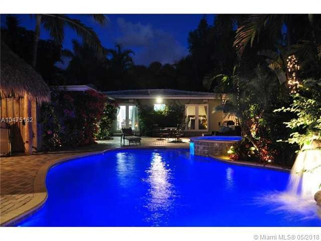 437 NE 11th Ave, Fort Lauderdale, FL 33301 (MLS #A10475162) :: The Chenore Real Estate Group