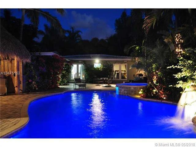 437 NE 11th Ave, Fort Lauderdale, FL 33301 (MLS #A10475162) :: Calibre International Realty
