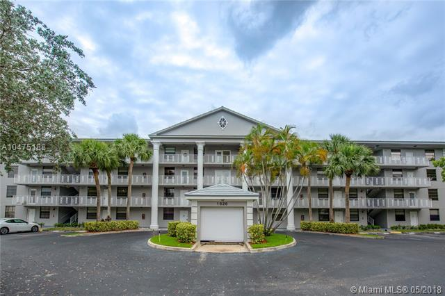 1526 Whitehall Dr #103, Davie, FL 33324 (MLS #A10475188) :: The Chenore Real Estate Group