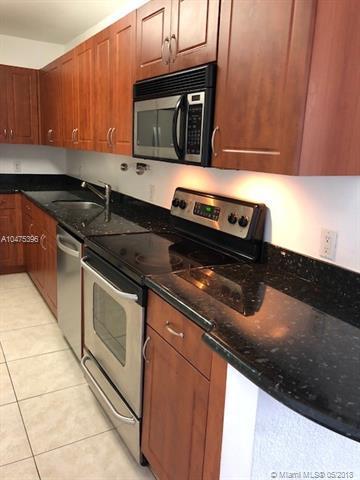 401 69th St #1011, Miami Beach, FL 33141 (MLS #A10475396) :: Keller Williams Elite Properties