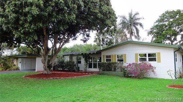 840 Azalea Ct, Plantation, FL 33317 (MLS #A10475422) :: Stanley Rosen Group