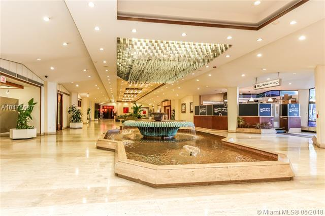 801 Brickell Bay Dr #2064, Miami, FL 33131 (MLS #A10475587) :: Green Realty Properties