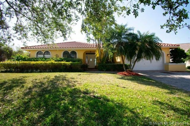 1560 NW 101st Way, Plantation, FL 33322 (MLS #A10475841) :: Stanley Rosen Group