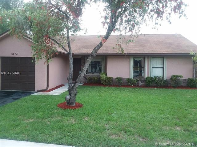 9427 NW 45th St, Sunrise, FL 33351 (MLS #A10476040) :: Melissa Miller Group