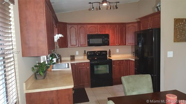 4401 SW 56th Ave, Davie, FL 33314 (MLS #A10476427) :: RE/MAX Presidential Real Estate Group