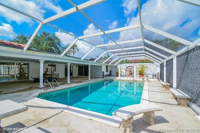 742 N Crescent Dr, Hollywood, FL 33021 (MLS #A10476927) :: Green Realty Properties