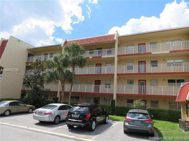1035 Country Club Dr #406, Margate, FL 33063 (MLS #A10478286) :: Calibre International Realty