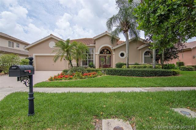 10162 Lexington Estates Blvd, Boca Raton, FL 33428 (MLS #A10478369) :: Green Realty Properties