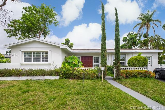 1991 NE 187th Dr, North Miami Beach, FL 33179 (MLS #A10478439) :: Green Realty Properties