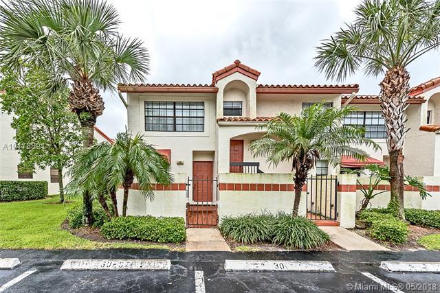 301 Liberty Ct #301, Deerfield Beach, FL 33442 (MLS #A10478891) :: Green Realty Properties