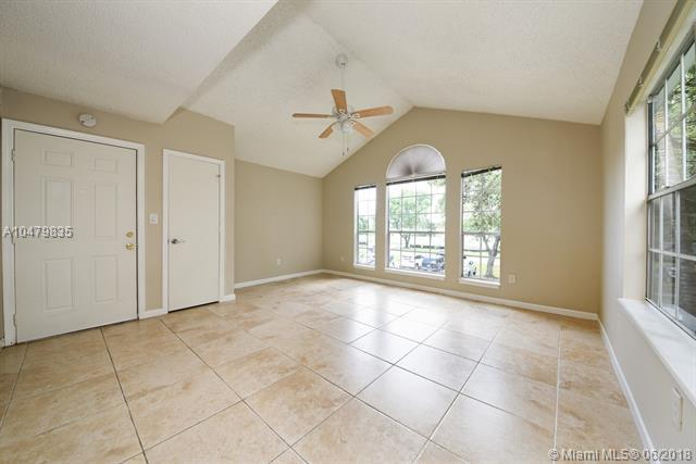 1215 Crystal Way B, Delray Beach, FL 33444 (MLS #A10479835) :: Stanley Rosen Group