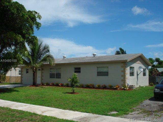 1240 SW 5th Ter, Deerfield Beach, FL 33441 (MLS #A10480100) :: Green Realty Properties