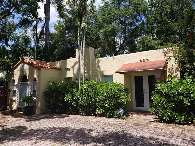 3817 S Le Jeune Rd, Miami, FL 33146 (MLS #A10480318) :: Calibre International Realty