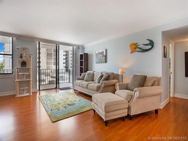 18151 NE 31st Ct #404, Aventura, FL 33160 (MLS #A10480333) :: Green Realty Properties