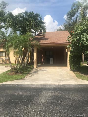 1813 Tamarind Ln, Coconut Creek, FL 33063 (MLS #A10480505) :: Green Realty Properties