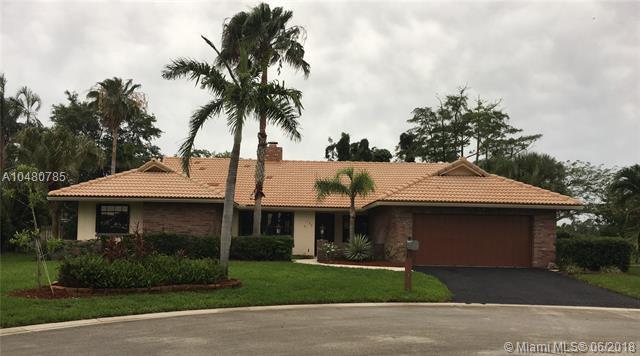 135 SW 101st Way, Coral Springs, FL 33071 (MLS #A10480785) :: Prestige Realty Group