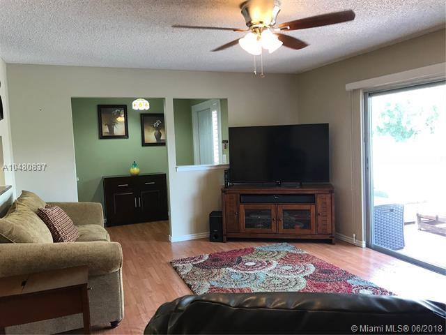 3943 Cinnamon Tree Cir, Jensen Beach, FL 34957 (MLS #A10480837) :: Calibre International Realty