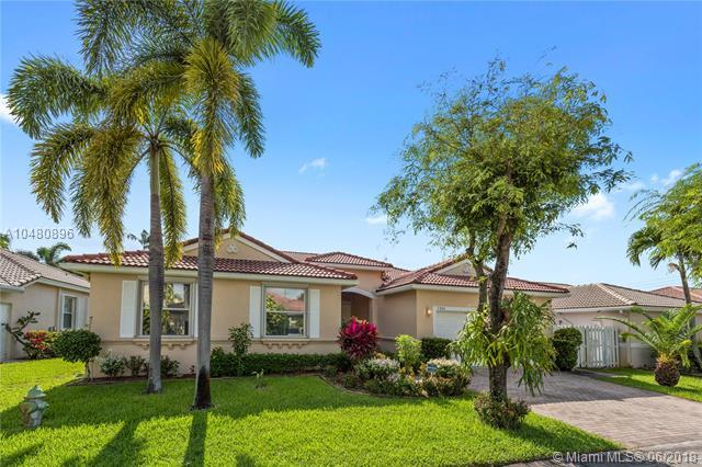 5362 SW 33rd Ave, Hollywood, FL 33312 (MLS #A10480896) :: Green Realty Properties