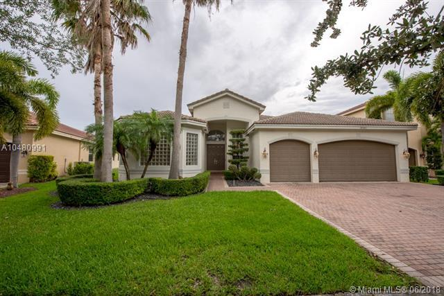 18563 SW 49 Street, Miramar, FL 33029 (MLS #A10480991) :: The Teri Arbogast Team at Keller Williams Partners SW